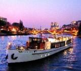 Paris dinner cruise